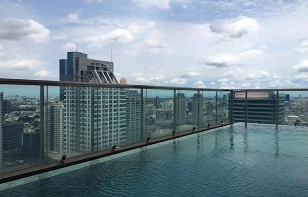 the-address-sathorn-condo-bangkok-swimmingpool-3